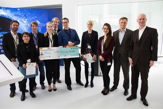 A doctoral student of the Institute of Life Technologies receives the Bühler prize