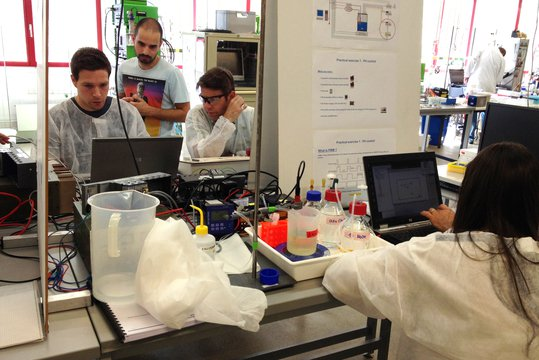 LabVIEW Workshop : How to improve Bioprocesses with LabVIEW