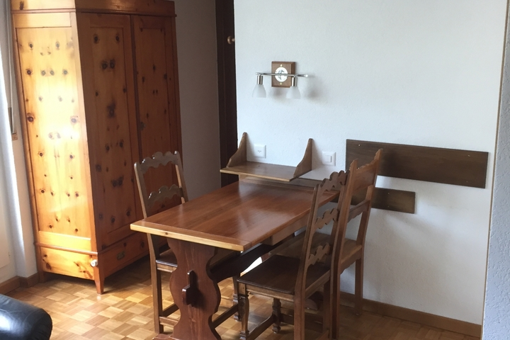 Studio meubl attique au centre ville hes so valais wallis for Migros meubles